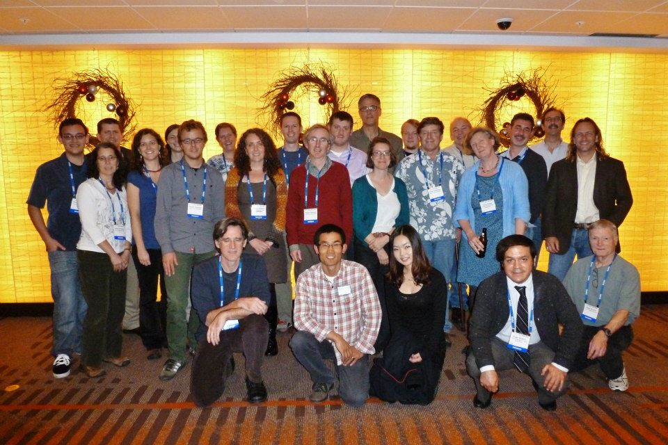 Figure 2: Participants of the GeoPRISMS/IODP mini-workshop take a break between sessions.
